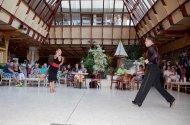 Táncos műsor a hallban