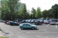 Parkoló a szálloda előtt