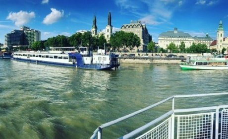 book a ship tour on Danube Budapest