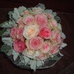 Menyasszonyi csokor rózsaszín rózsákból