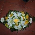 Virágtál vegyes virágból