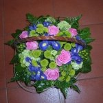 Virágkosár vegyes virágból