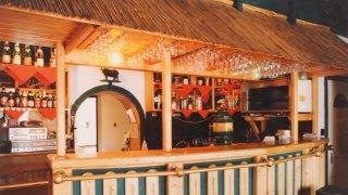 Az első bárpult