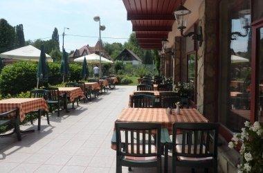 Zsanett Hotel Restaurant