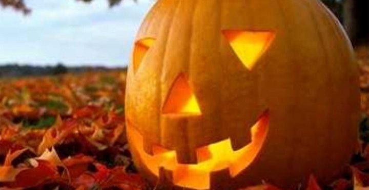 Mindenszentek ünnepe; November 1-ei ünnepi hétvége