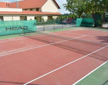 Aszfalt burkolatú teniszpálya