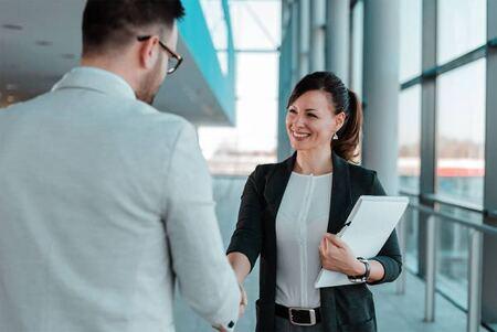 Mik a munkaerő-kölcsönzés előnyei vállalati oldalról?