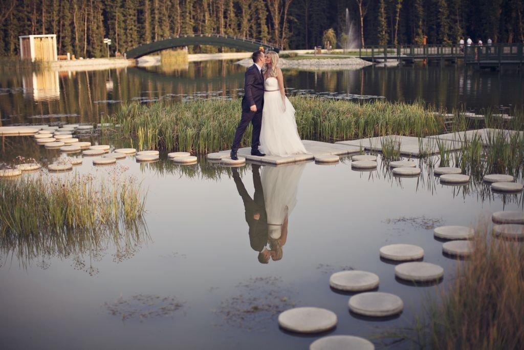 Tökéletes tóparti esküvő Zalakaroson