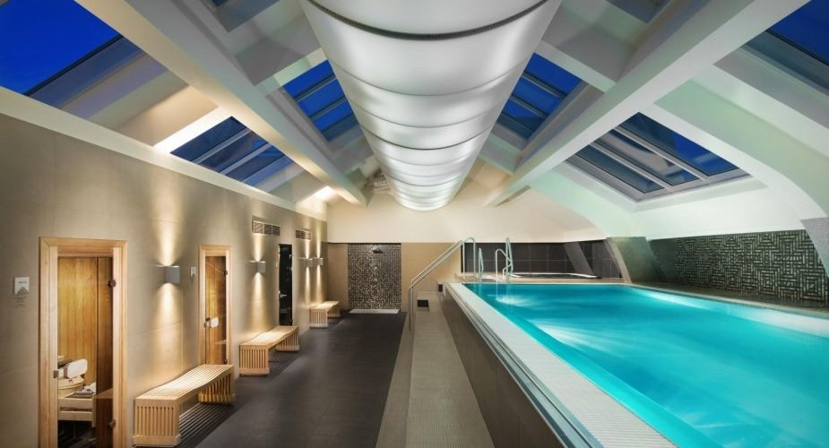 indoor pool kosten free swimming pools with indoor pool kosten amazing langer pool in einem. Black Bedroom Furniture Sets. Home Design Ideas