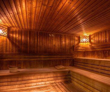 zsuzsanna-salt-cabin