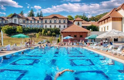 Erzsébet Park Hotel - Kültéri medence nyáron