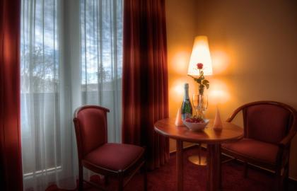 Erzsébet Park Hotel - Zsuzsanna-szárnyi kétágyas szoba extra bekészítéssel