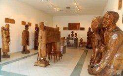 Asztalos Johák kiállítóterem népi fafaragó hagyatéki kiállítása, Parád