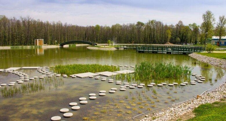 Termální jezero a ekologický park