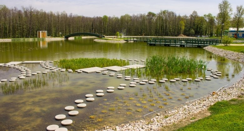 Thermalsee und Ökoufer