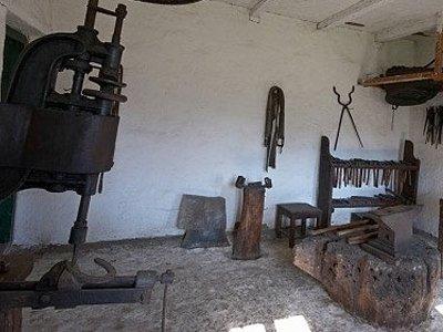 Muzej Atile Jožefa, Škanzen, Kuća-Espersit