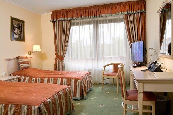 Kétágyas szoba a négycsillagos épületben