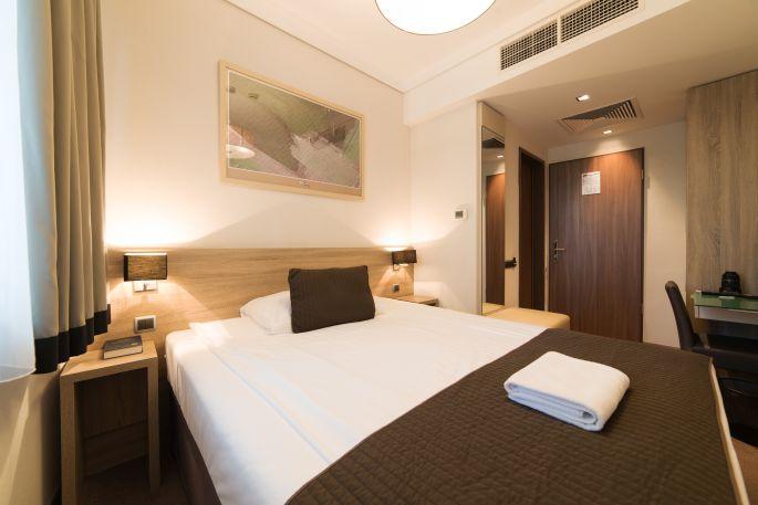 Economy egyágyas szoba a Hotel Pagonyban