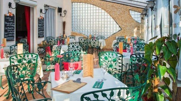 AMBRÓZIA Café & Restaurant