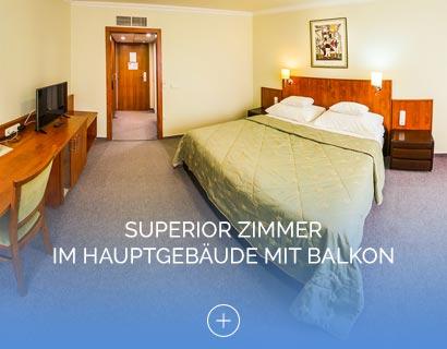 Superior Zimmer im Hauptgebäude mit Balkon