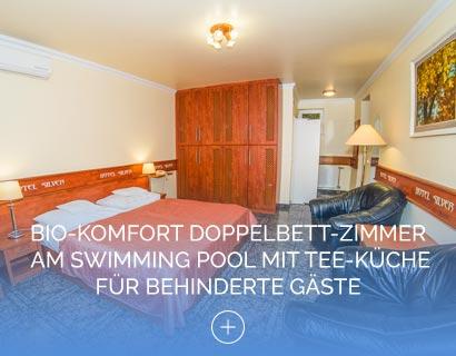 Bio-Komfort Doppelbett-Zimmer am Swimming Pool mit Tee-Küche für behinderte Gäste