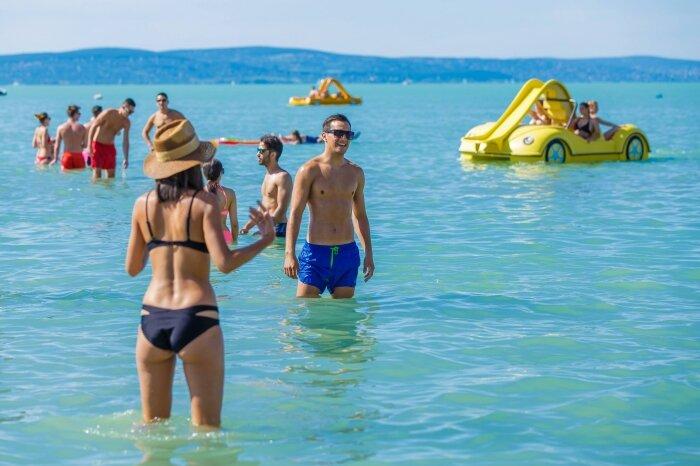 Nyári strandolás Siófokon
