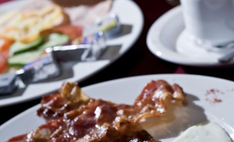 Codziennie rano pomiędzy godz. 7.00 a 10.00 zjecie śniadanie
