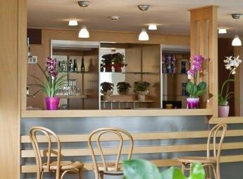 Jagello Hotel bár 24 órás nyitvatartással