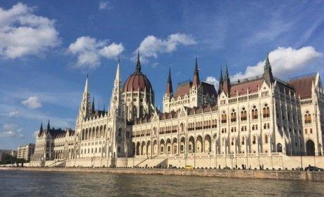 Budapeszcie,  hotelroom parlamentu w Budapeszcie