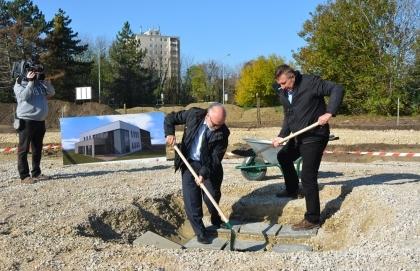 Új telephelyünk, a Kendel Építő Központ alapkő letétele