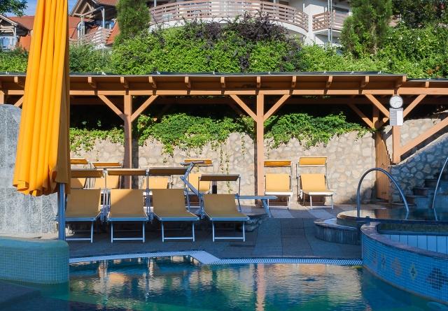 Szabadtéri medencék - Családi élményfürdő