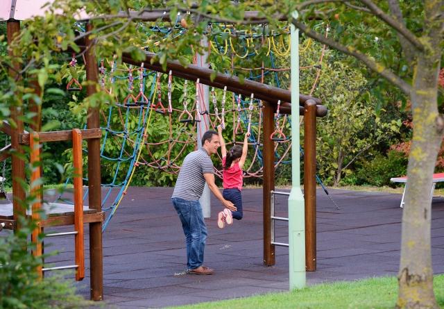 Abenteuerspielplatz im Park