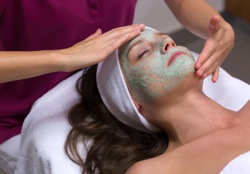 Biola Organic Aronia – Anti-Aging Facial