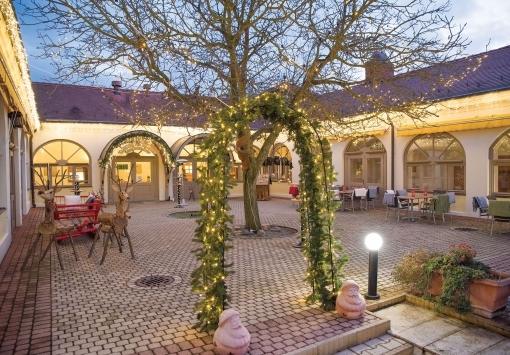 Weihnachtshof im Kolping Hotel!