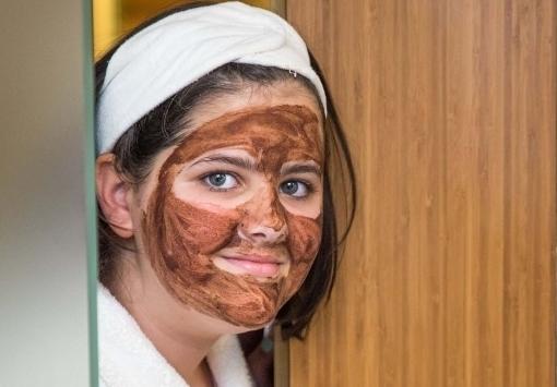 Biola csokis csodabogyós arckezelés (5-12 éveseknek)
