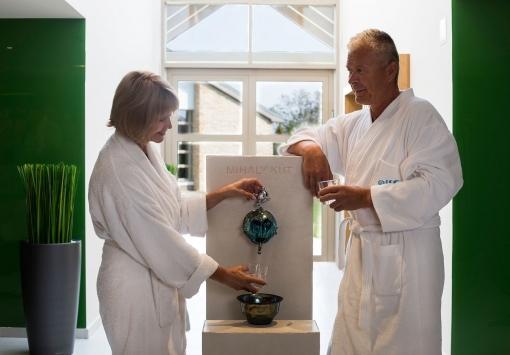 Die Gäste des Kolping Hotels baden in zertifiziertem Heilwasser