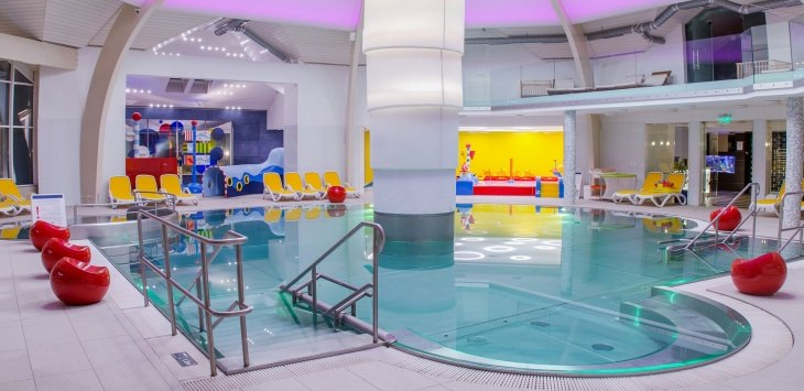 Maintenance of family leisure pool