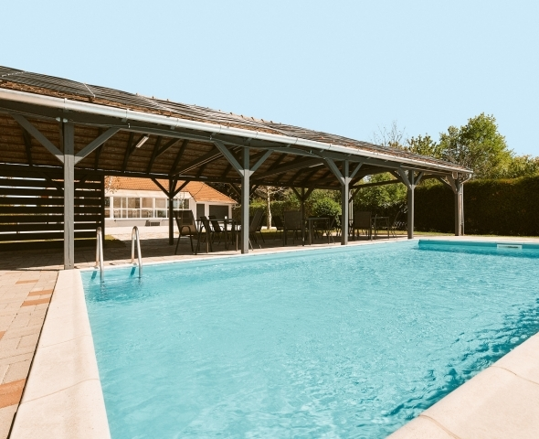 Pool Eröffnung in der Adults Only Lorelei Pension