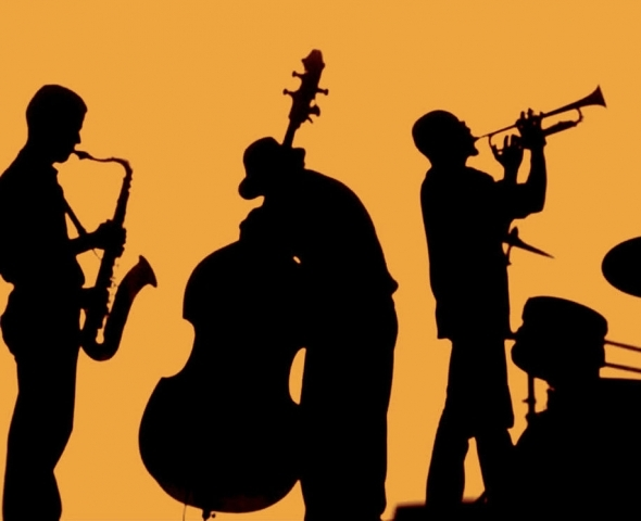 ART & WINE EVENINGS – MUSIC AND PERFORMANCE AT THE VILLAGE HALL