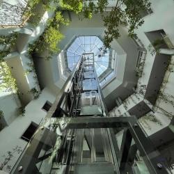 Panorámalift 6 emeleten keresztül