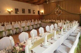 Esküvő Móron