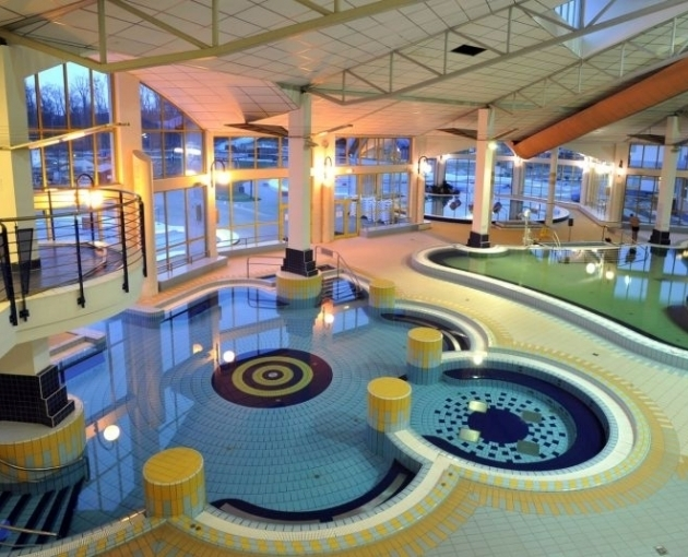 Indoor experience pool