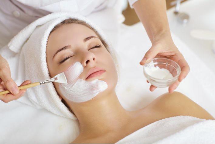 Facial treatment for sensitive skin