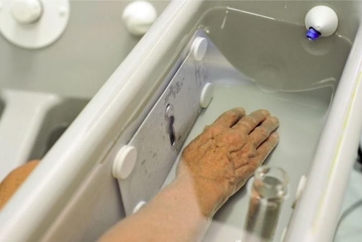 4- cell bath