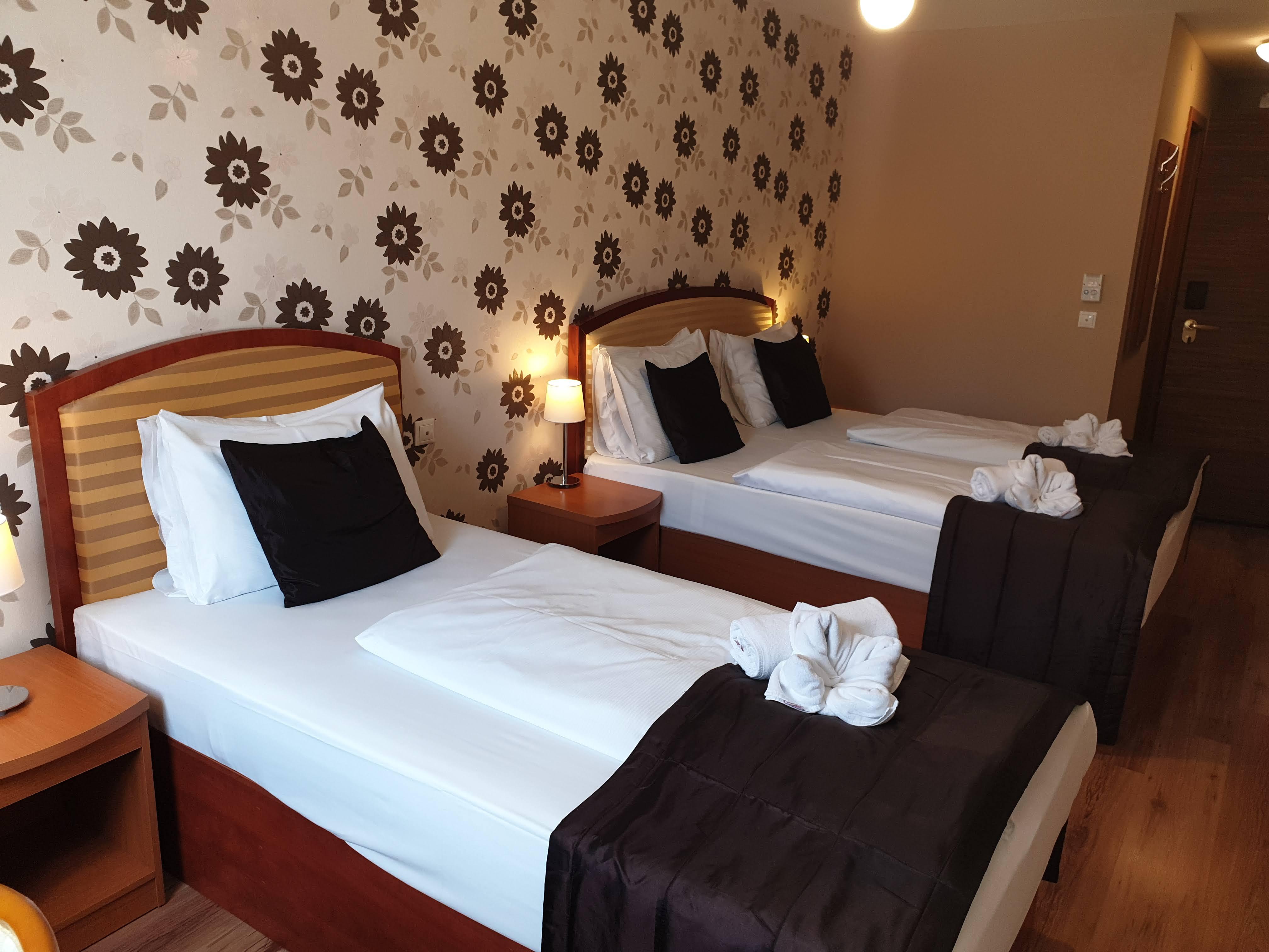 Superior kétágyas szoba pótággyal - Six Inn Hotel Budapest