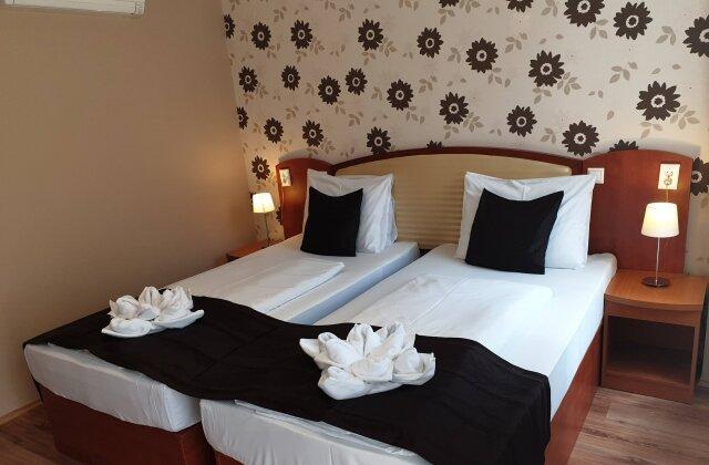 Deluxe kétágyas szoba - Six Inn Hotel Budapest