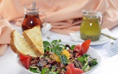 Saláta snack étlapunkról