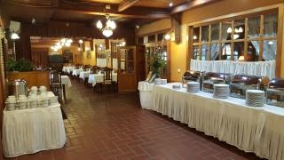Fedett terasz és reggeliző terem régen