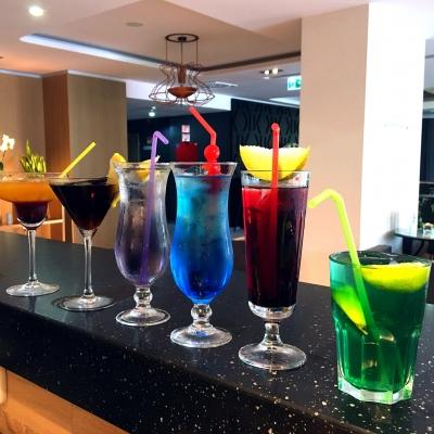 Comickheld Cocktails