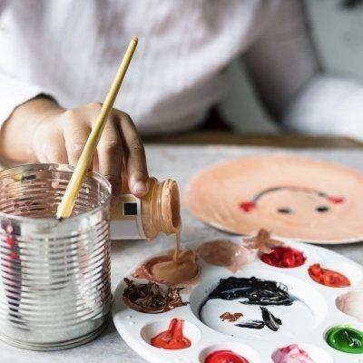 Summer crafts house for children